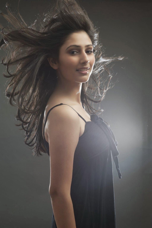 Bak Dewi India, Ini Dia 10 Potret Cantik Disha Parmar Pemeran Pankhuri di Pyaar Ka Dard