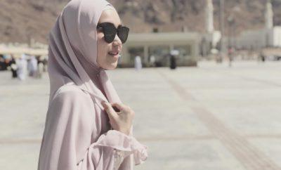 Gaya Hijab Ayu Ting Ting