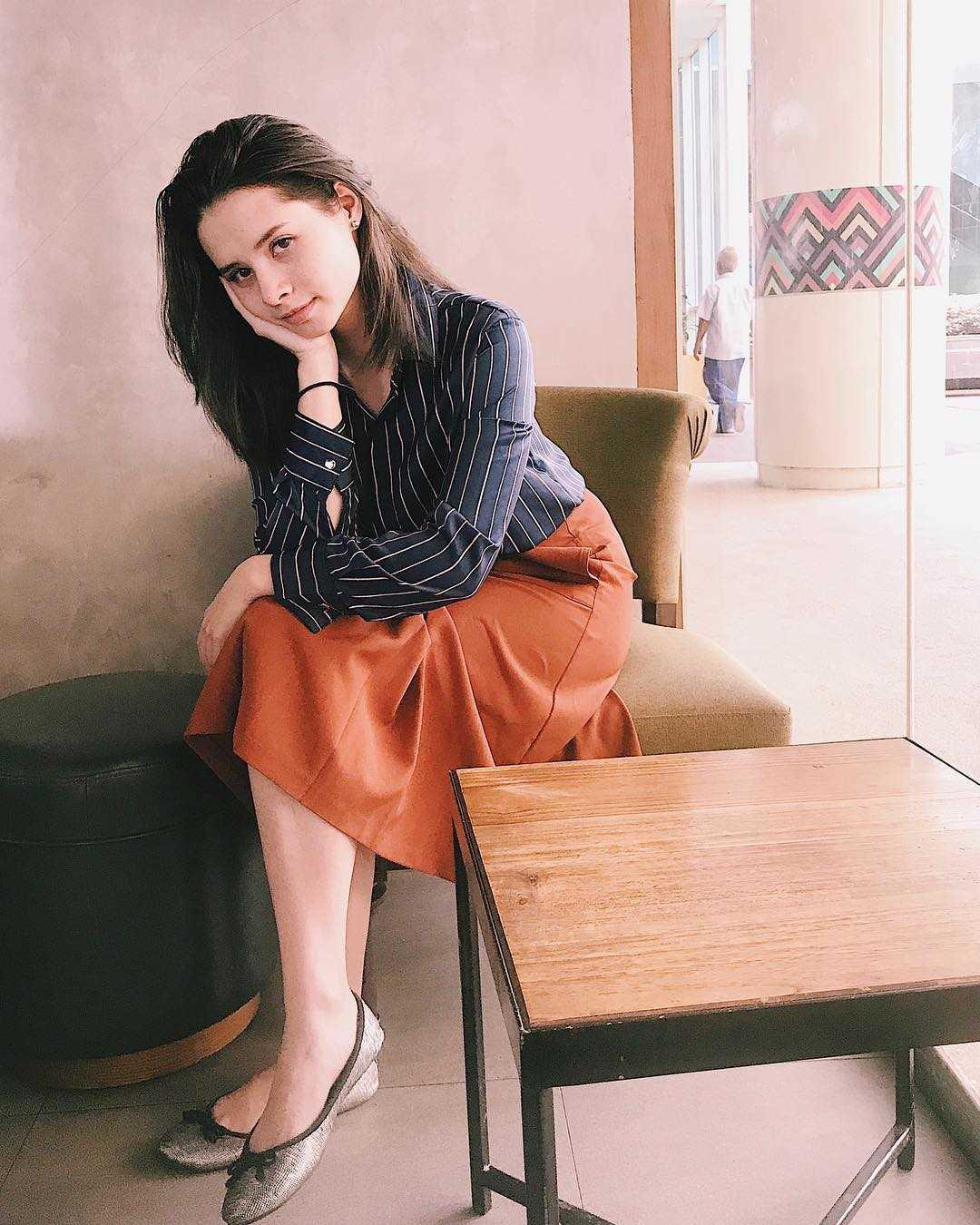 10 Potret Jovita Karen, Aktris Cantik yang Bakat Aktingnya Luar Biasa