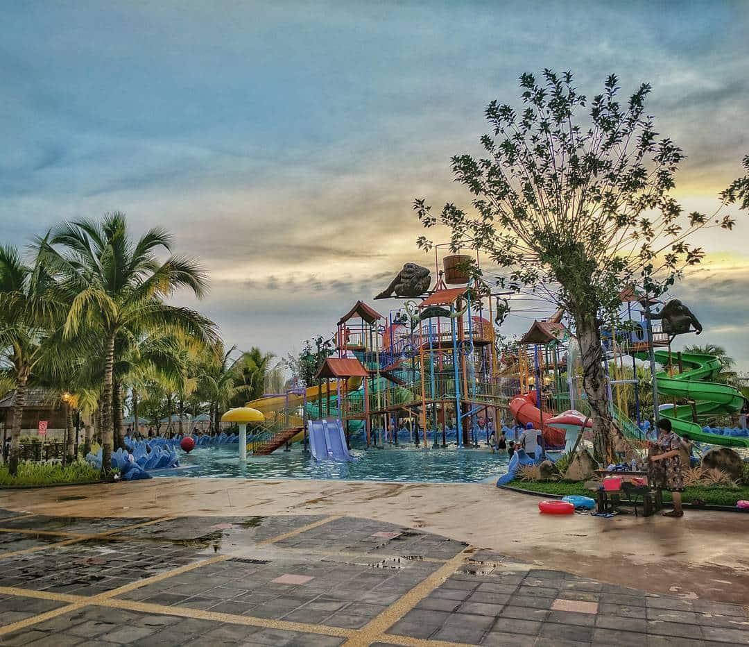 Paradise Q Water Park Pontianak