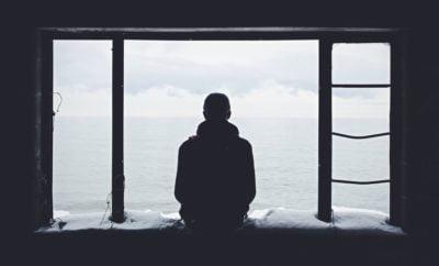 Kamu Tipe Introvert? Ikuti 6 Tips Ini Agar Lebih Mudah Bergaul