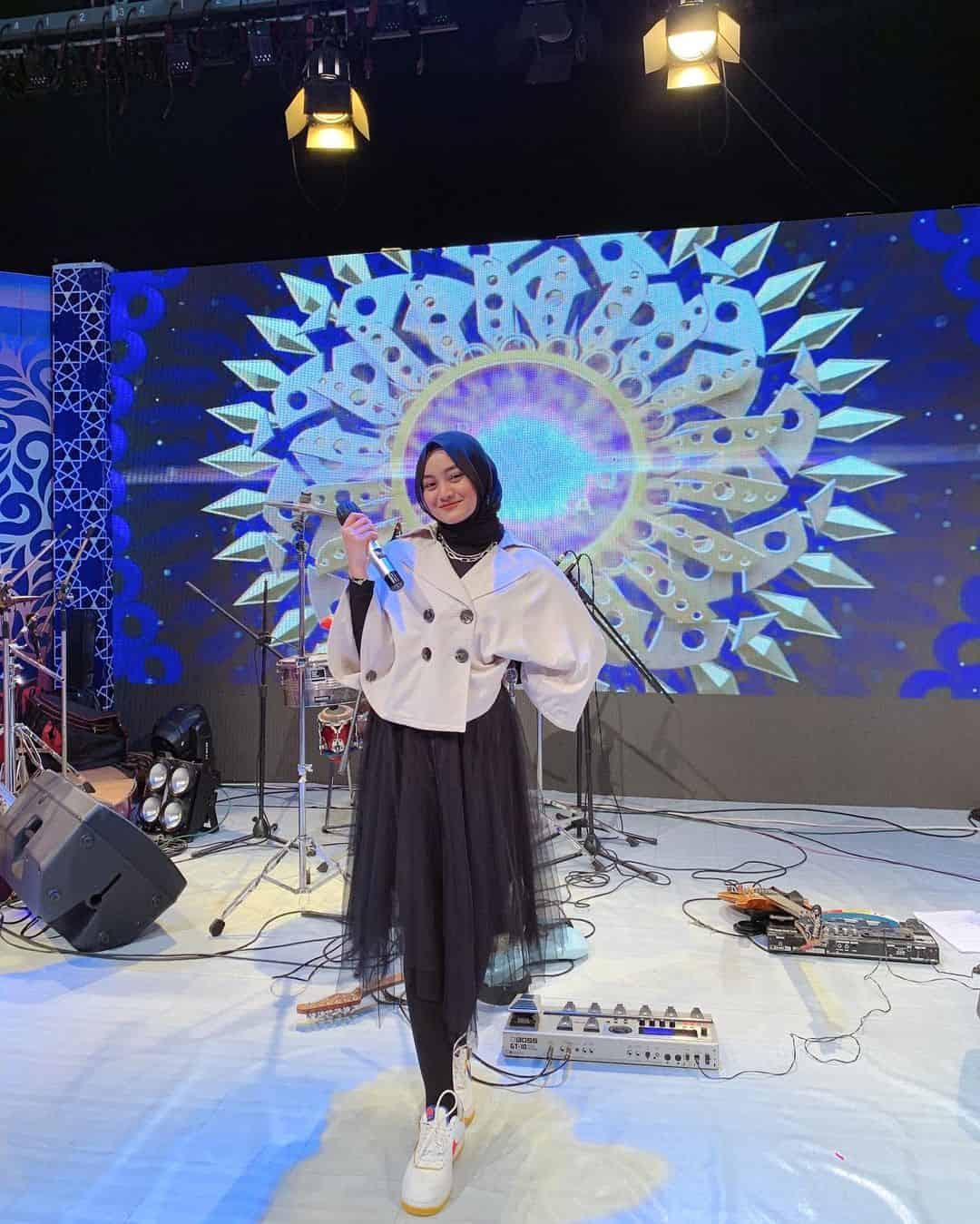 10 Potret Eltasya Nayasha yang Suka Cover Lagu, Pernah Jadi Kontestan Indonesian Idol