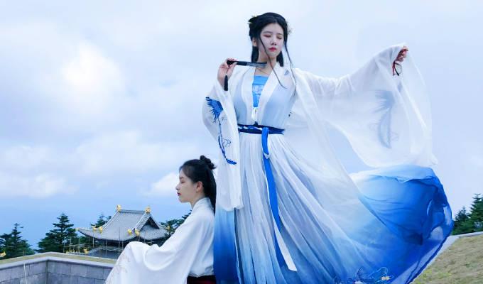 10 Pakaian Tradisional China yang Ternyata Tak Hanya Cheongsam