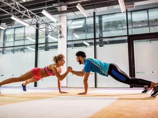 Jadi Semangat, 10 Jenis Olahraga yang Bisa Dilakukan Bareng Pasangan