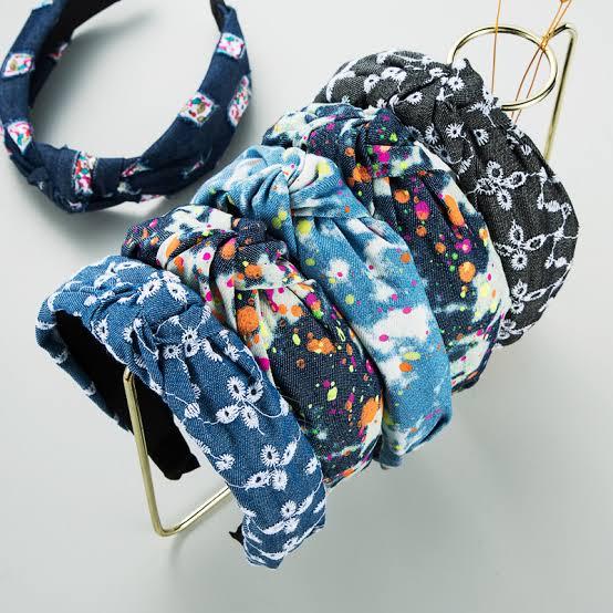 Termasuk Sepatu, 10 Kreasi Tie Dye yang Bisa Dibuat di Rumah